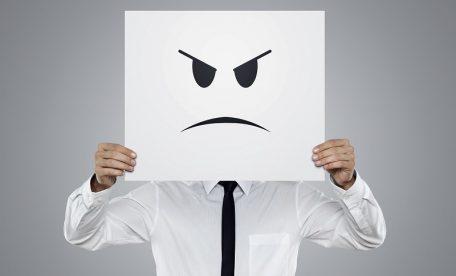「侮辱された!」飲食チェーン店が匿名の誹謗中傷に猛反発!