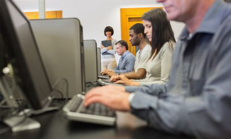 WEBリテラシー試験とは?資格取得で仕事の幅が広がる!