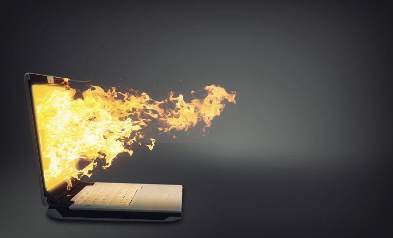 ネット上に投稿した記事や動画が炎上!3月に発生した炎上事例とは?